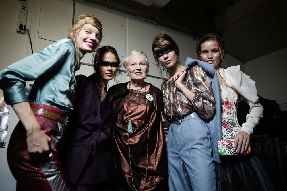 Vivienne Westwood with models backstage at Vivienne Westwood Red Label SS16 Show Photos Ki Price