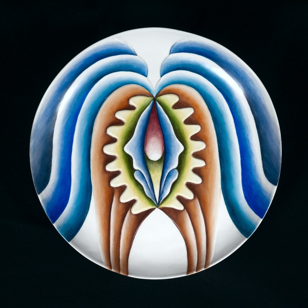 Hatshepsut Test Plate #3 © Judy Chicago, 1973-1974 China paint on porcelain 13.75 in. diameter (34.9 cm diameter) Photo © Donald Woodman