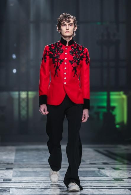 Alexander McQueen catwalk menswear AW16
